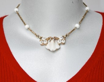 Alfred Philippe for Trifari Beau Belles Choker Necklace Molded White Glass Vintage