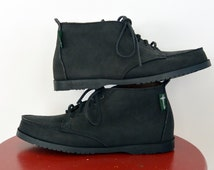 Eastland Moc Toe Chukka Leather Ankle Boots Women's Lace Up Black leather Ankle Boots Size 9 1/2 Look New