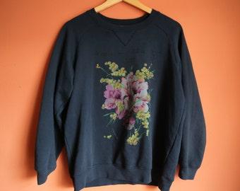 Ganni · Navy Blaze Isoli Sweatshirt with Flower Graphic · S