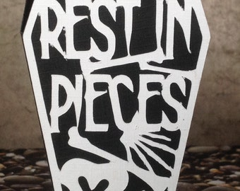"Halloween coffin greeting card ""Rest in Pieces"""