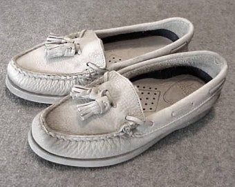Pair Women's Eggshell White SPERRY TOPSIDERS Boat Shoes with Tassels Size 5