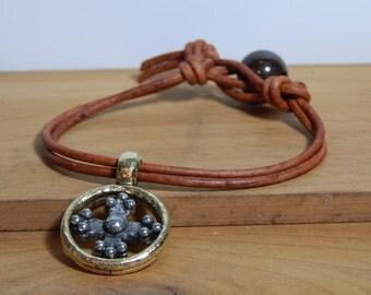 Leather Bracelet, Women's leather bracelet, Cross bracelet, Women's jewelry, Pewter jewelry, Women's bracelet, Pendant bracelet, Item PL175