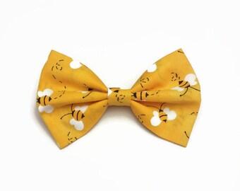 Honey Bee Hair Bow • Bee Fabric Bow • Cotton Hair Bow • Spring Fashion Bow • Yellow Cotton Bow • Honey Comb Bow • Gifts For Girls • Kawaii
