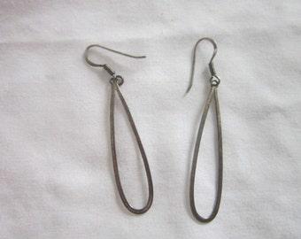 Vintage Sterling Silver Pierced Dangle Teardrop Earrings