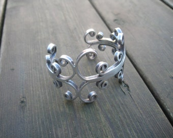 Stunning massive sterling silver bracelet, Mexico