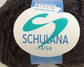 Discontinued Schulana Taiga Super Bulky Boucle Wool yarn - color 050 Brown