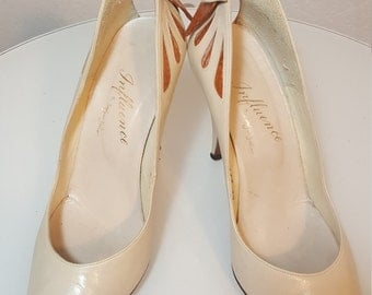 FREE  SHIPPING  1950 Leather Bow Heels