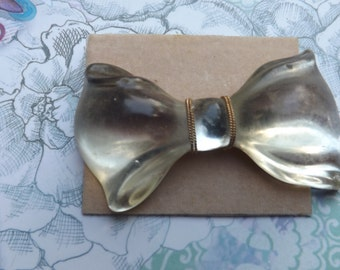 Vintage Lucite BOW Brooch. Vintage Brooch. Costume Jewelry.  Bow Tie. Accessories. Uniqe. Rare.