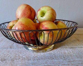 Silver Plated Fruit Bowl // Mid Century // French Country Kitchen