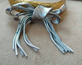 bow fringe bracelet// silver gold//upcycled bracelet//fashion jewellery//gift for her//unusual bracelet//one of a kind // made in Chicago