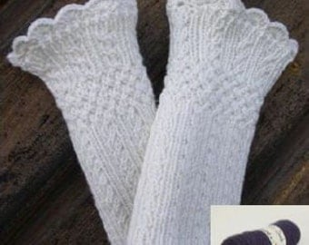 Material kit for making a pair of Mock Cable Wristwarmers, colour purple, wool/acrylic/cashmere, wrist warmer kit, yarn, pattern