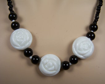 Black and White Flower Necklace and Earrings