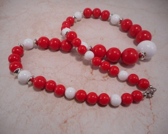 Graduated Bead Necklace Red ,White and silver Toned Beads 24 inch