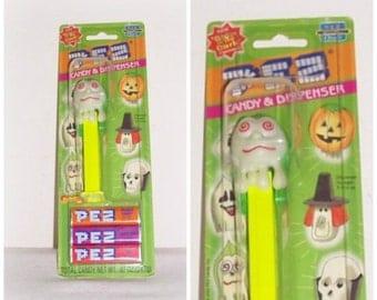 "PEZ Candy & Dispenser ""Glow In The Dark"" Dispenser - Goblin Ghoul Pez Interactive Classic"