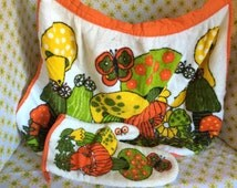 Vintage Mushroom Butterfly Apron and Oven Mitt Set