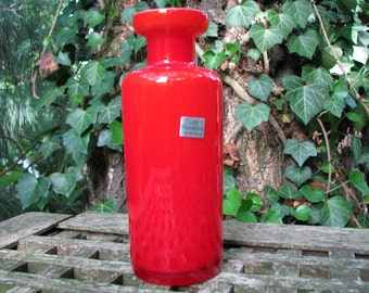 Vintage Red Vase – 1960s – Op Art – Cased Glass – German Studio Glass – Inspired by Danish Design – so very retro