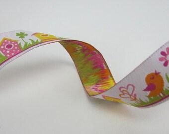 Woven Ribbon of 16 mm zwitschernder Bird on the Meadow