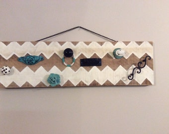 Chevron jewelry hanger