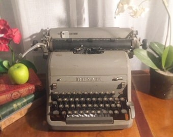 Gorgeous Antique Royal Typewriter, Gray, cast iron Industrial decor, Writer, type, journalist, office décor, rustic primitive, grey
