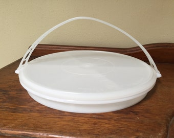 TUPPERWARE DIVIDED SERVING Tray, Vintage Tupperware serving tray, hors d'oeuvre tray, divided party tray with lid, tupperware tray with lid