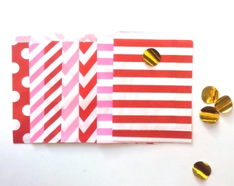 24 Strawberry colors Paper Bags Party Goodies Sweets in different designs with gold stickers