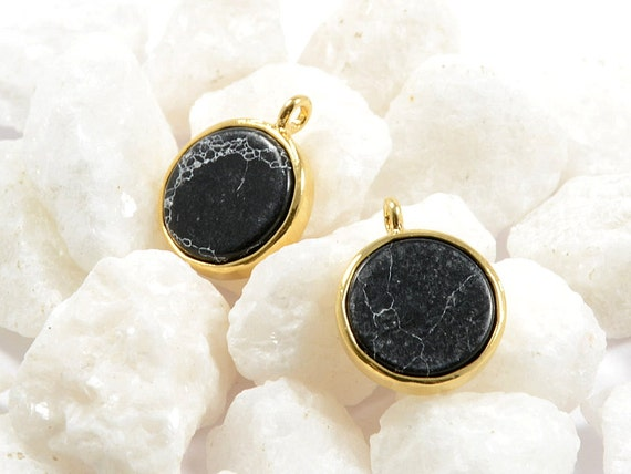 Black Gemstone Charm/ Round Coin Pendant with Black Marble in Anti-tarnish Gold Plating  - 2 pcs/ order