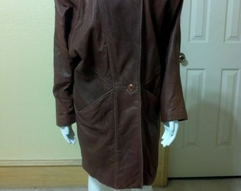 Vintage  Overisze Carmel Brown Leather Petites Coat LNR size Small Boho style