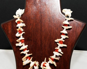 Necklace of shells, corals and pearls