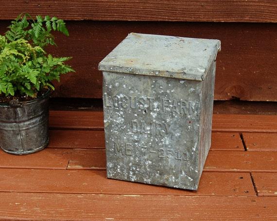 small milk box galvanized milk box vintage dairy box rustic. Black Bedroom Furniture Sets. Home Design Ideas