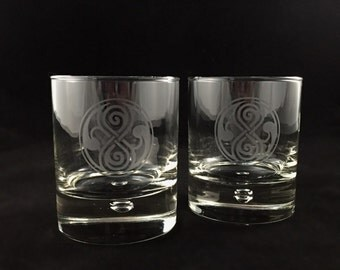 Hand-etched Doctor Who inspired Old Fashioned rocks glasses (Seal of Rassilon)