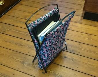 Vintage magazine bag, magazine rack, portable magazine rack, magazine bag, flower bag, vintage rack, vintage bag, portable rack, home decor