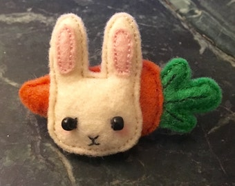 Bunny with its Carrot | Felt Brooch