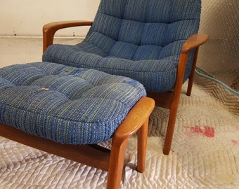 Danish tufted lounge chair and ottoman with teak frames, 1960s