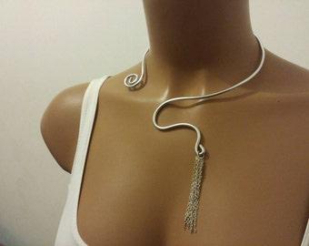 Essential aluminium necklace