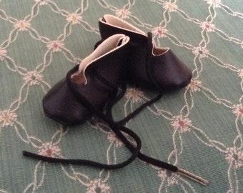 """Vintage Black Doll Shoes 2"""""""