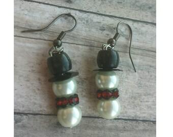 Christmas  in July,  Snowman  earrings,  holiday earrings, Christmas earrings,  winter earrings,  pearl  snowmen, snowmen earrings,