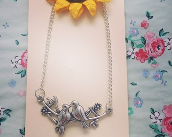 Kissing birds necklace pendent
