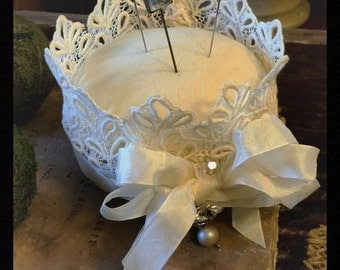 Adorable Vintage Looking Crown Shaped Pin Cushion