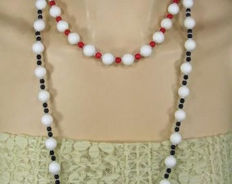 Handmade Black Onyx and White Sea Tridacna Necklace and Earring Set