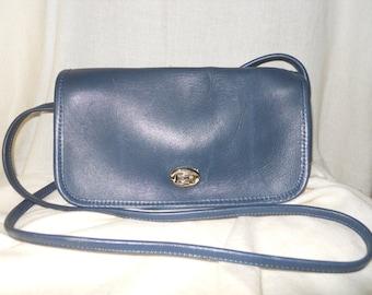 Vintage navy leather Almondo Originals crossbody bag
