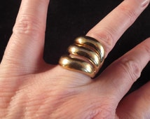 """18 Ktg. E. A  Large Costume Ring, 1"""" long size 7   11.8 grams.  Vintage Jewelry,"""