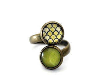 """Small ring double vintage retro cabochon brass """"scales"""" Apple green"""