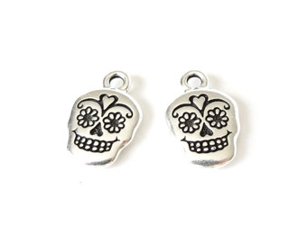 2x sugar skull charms antique silver finish, Day of the Dead charms, TierraCast bracelet pendant for jewelry making