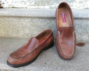Bass leather loafers 80s 90s vintage flats supple sturdy casual Preppy Minimalist Boho / womens size 9.5M / Made in Brazil