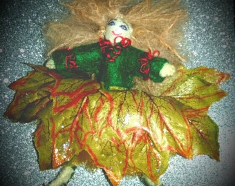 POSABLE doll.Leaf pixie 6inches.
