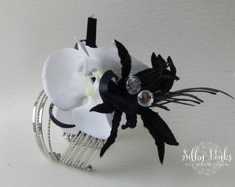 Corsage Cuff, Black & White Wrist Corsage, Ladies Corsage, Wedding Corsage, Prom Corsage, Silk Wedding Flower