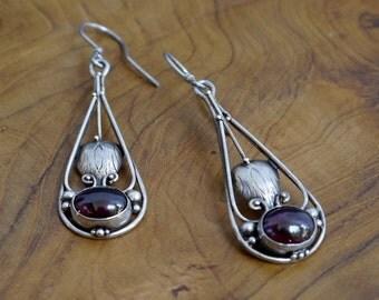 Vintage Sterling Balinese Garnet Earrings