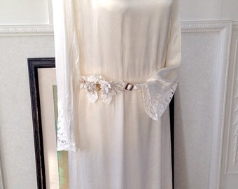 Antique Vintage 1920s Satin and Lace Downton Wedding Dress Rare Large Size