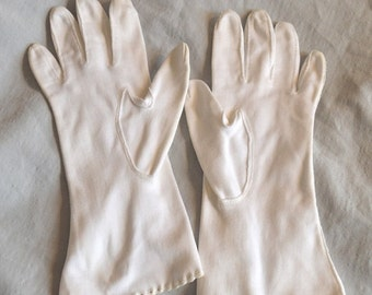 SALE Beautiful Vintage White Ladies' Gloves - Fownes Royale, Eyelet Wrists, size 6.5