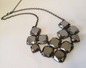 Vintage Honeycomb Pewter Gray Statement Necklace, Vintage Costume Jewelry, Gray Stone Chain Necklace, Gray Clasp, Grey Jewelry, Bib Necklace